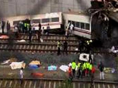 Spain: 77 people killed in train crash