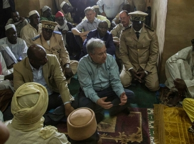 'Favour dialogue' over violence, UN chief urges all parties following clashes in Mali's capital