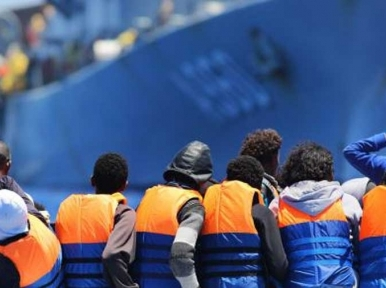 UN refugee agency presses States to aid 49 refugees stranded on Mediterranean