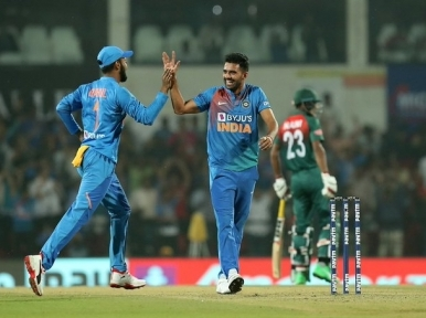 India beat Bangladesh by 30 runs to grab T20 I series