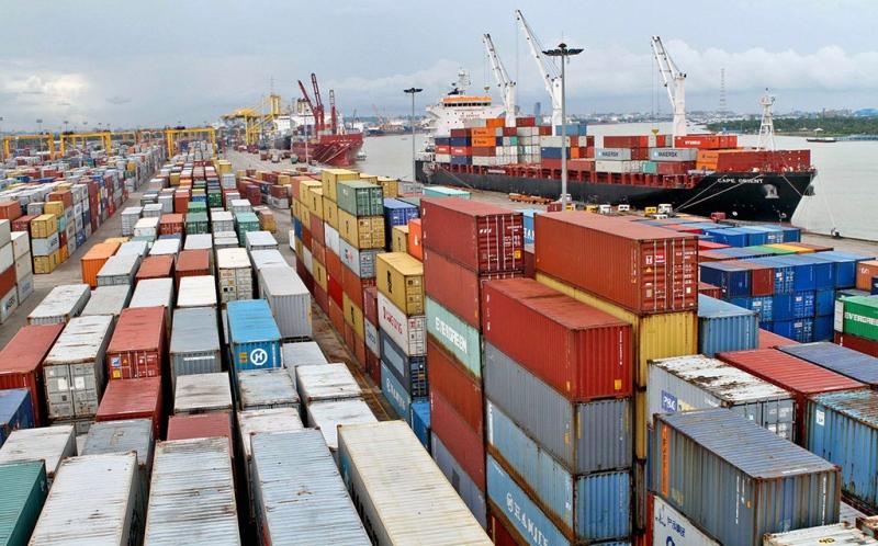 Trade deficit reducing gradually