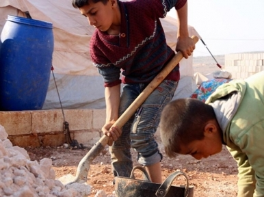Nearly 300,000 Syrians displaced from Idlib since mid-December, Security Council hears