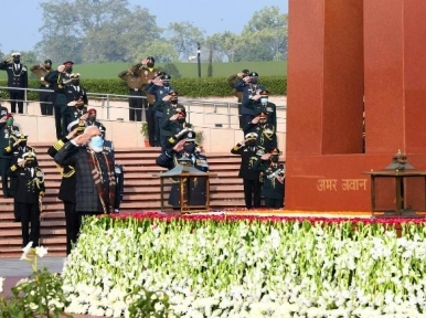 Vijay Divas: Indian PM Narendra Modi, Defence Minister Rajnath Singh remember 1971 war heroes