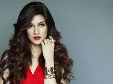 Bollywood actress Kriti Sanon tests COVID-19 negative