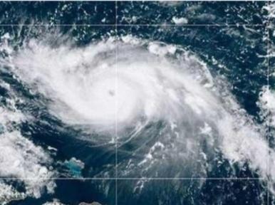 Cyclone Nivar moves towards India's Tamil Nadu