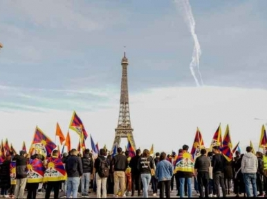Human rights violations in China: Over 300 demonstrators protest in France