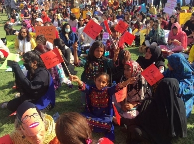 Women participate in Aurat March in Pakistan, unidentified men pelt stone to disrupt Islamabad edition
