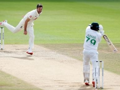 ICCRankings: Crawley, Anderson soar up after memorable performances