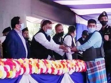 34 pirates surrender in Chittagong