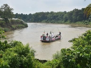 Bangladesh-India maritime trade stuck in Gomti's naval crisis