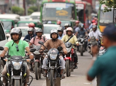Dhaka roads witnessed an added half a million motorcycles in last 10 years