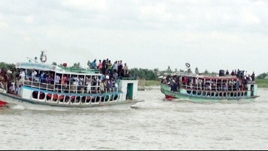Naval traffic stopped at Kathalbari-Shimulia as Padma swells