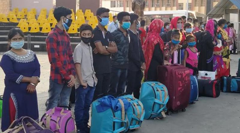Indian police hands over 30 Bangladeshis detained in the country