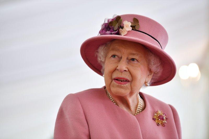 Queen Elizabeth II greets Bangladesh on the golden jubilee of Independence