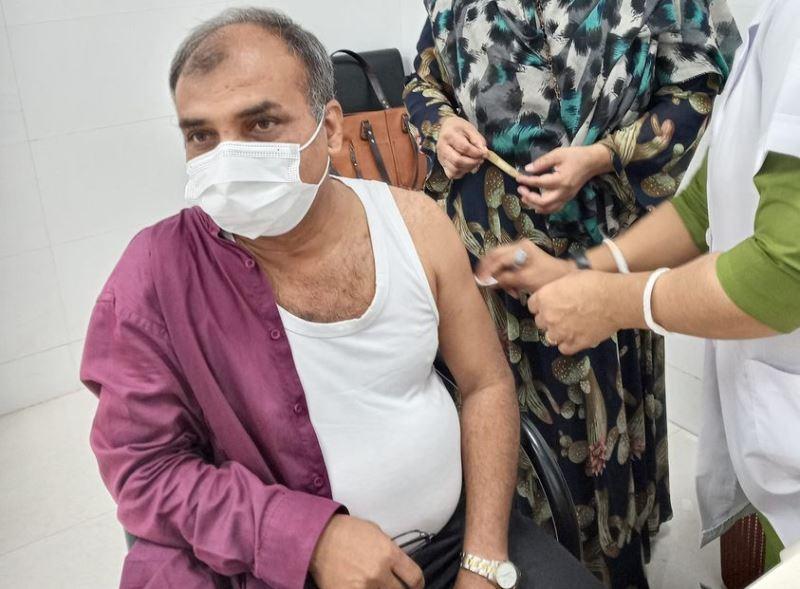 Four million registered, 2.85 million people vaccinated against coronavirus