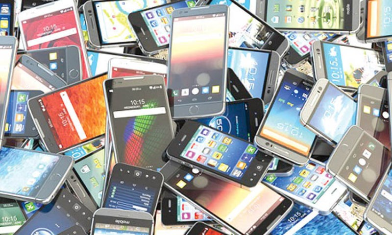 There is no need to import mobile phones in the country: Mustafa Jabbar