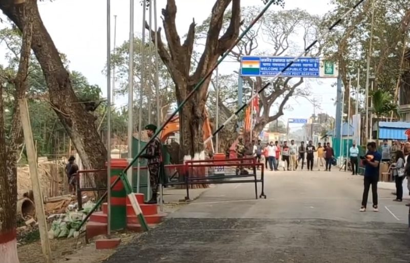 Bangladesh to keep borders shut as Covid-19 situation worsens in India