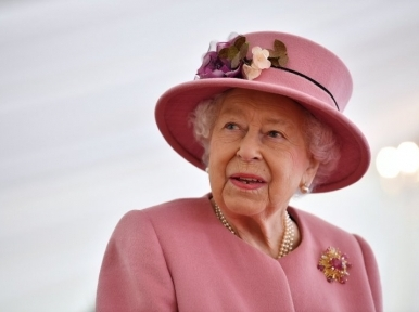Queen Elizabeth II greets Bangladesh on the golden jubilee of Independence