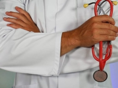 Eight thousand doctors and nurses to be recruited without interviews, says Health Minister