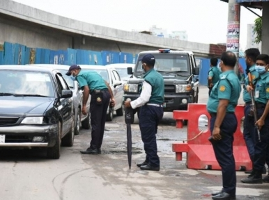 Traffic pressure on the road on the fifth day of the lockdown