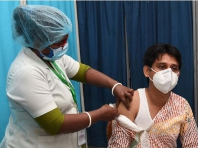 More than 9 lakh people vaccinated, 426 report side effects