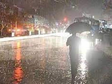Heavy rains with gusty winds lash Dhaka; Nor'wester with depression-flood alert sounded