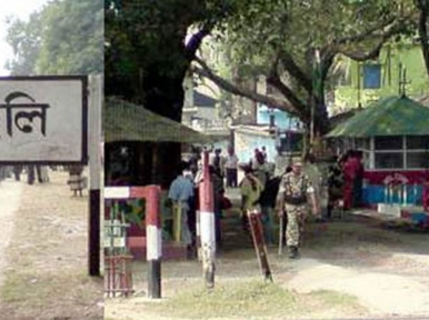 BSF prevents installation of makeshift shed, import-export stopped at the border
