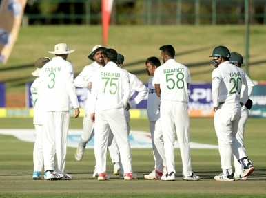Bangladesh set 477 runs target for Zimbabwe