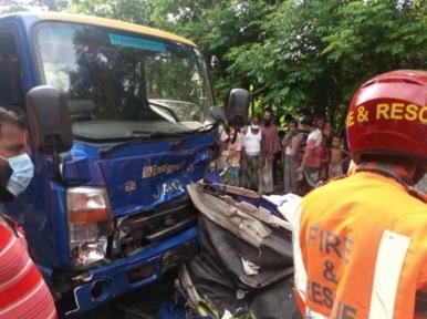 6 passengers of easybike killed in collision with pickup van in Bagerhat