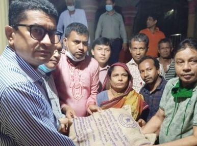 500 affected Hindu devotees receive aid from Prime Minister Hasina in Noakhali