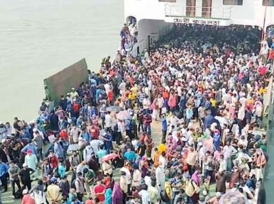 Govt. directive goes for a toss as two more ferries operate to contain homebound passengers