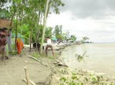 Rising Teesta water levels recedes overnight