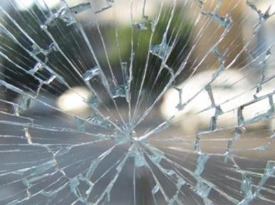 Pakistan: Passenger bus crash kills 18