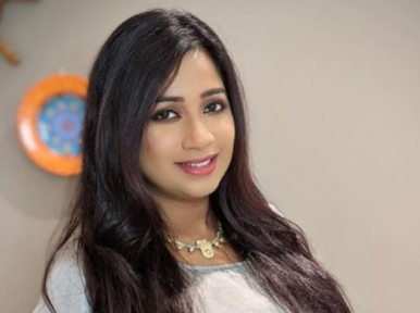 Pregnant Shreya Ghoshal shares stunning images on Instagram for fans