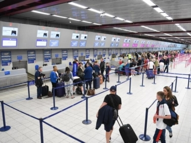 US to reopen land and air borders to fully vaccinated foreign visitors