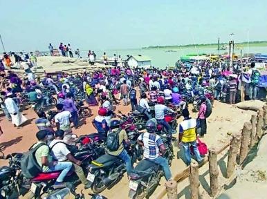 People crowd at Banglabazar ferry ghat