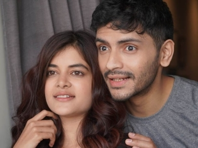 SVF Music releases Anupam Roy's Aamar Chalaki featuring Arjun and Madhumita