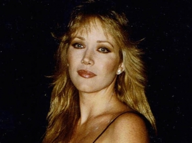 Bond Girl Tanya Roberts dies at 65