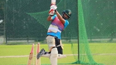 ODI skipper Tamim Iqbal returns to practice after recovering from knee injury