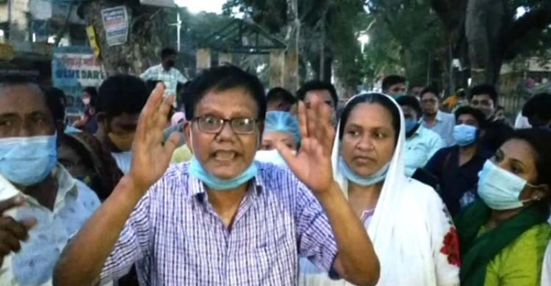 Bangladeshis stranded in Petrapole stage demonstration