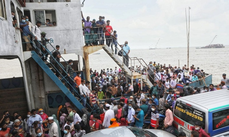 Exodus from Dhaka ahead of lockdown helped the coronavirus to spread across Bangladesh, researchers say