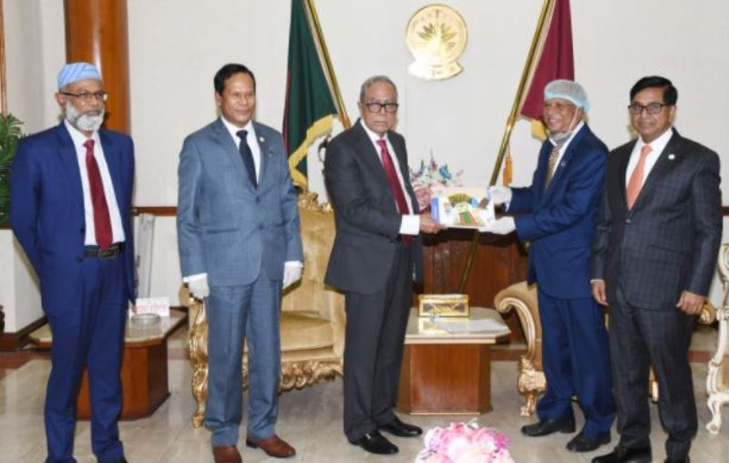 President Hamid urges resistance against corruption to build a better nation