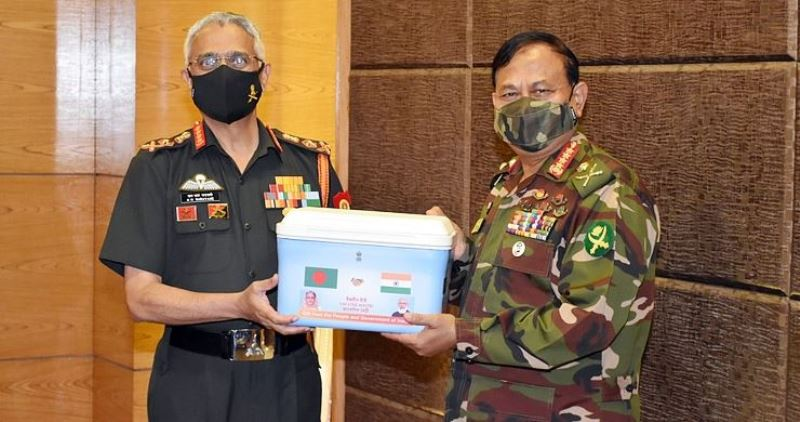 Indian Army Chief presents one lakh vaccines to the Bangladesh Army