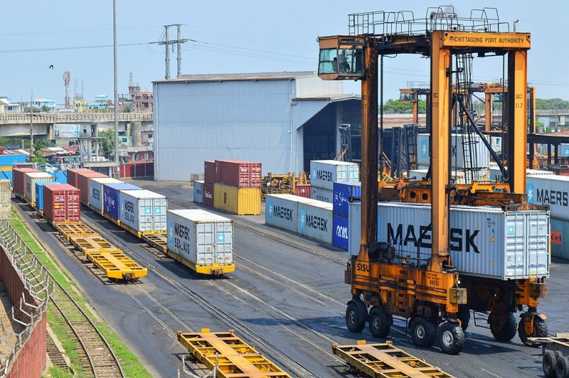 Terrible congestion in the transportation of exported goods at Chittagong port