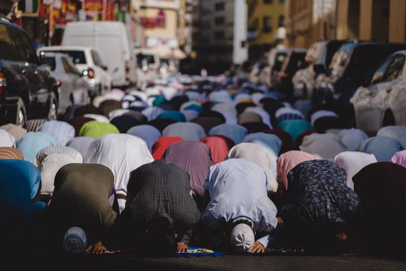 Ramadan: Month of fasting begins