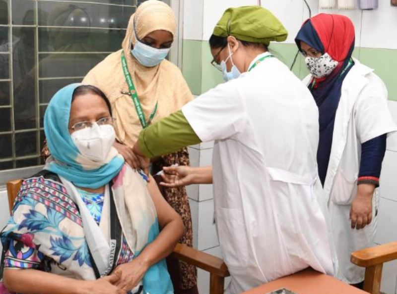 40-year-olds can also register for the coronavirus vaccines: Officials