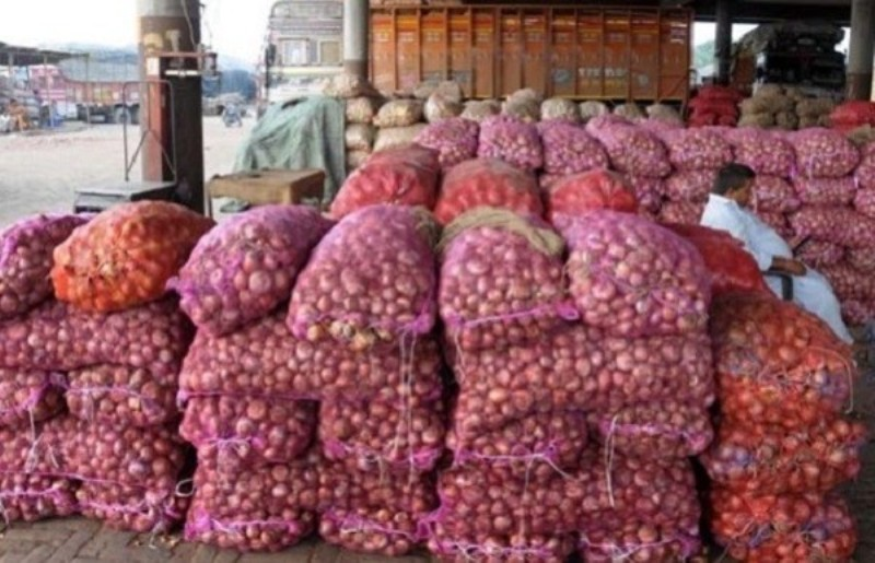 Panic as onion prices plummet after India resumes export