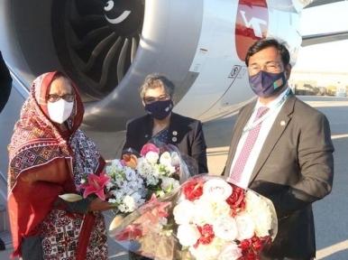 Sheikh Hasina reaches US
